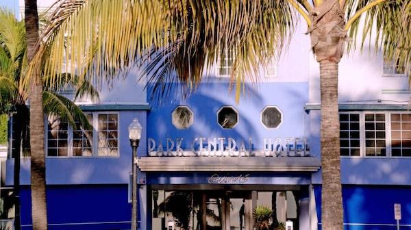 Ocean Drive är Miamis mest kända gata.