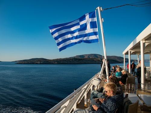Det är nära mellan öarna i Kykladerna.