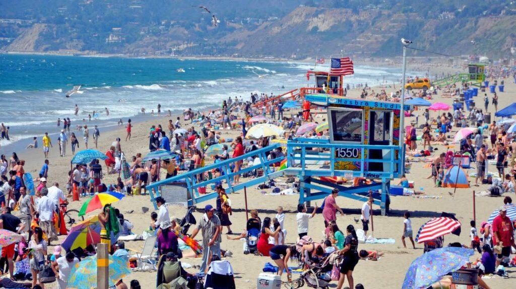 Bel get i västra delen av Los Angeles storstadsområde hittar du den intressanta staden Santa Monica.