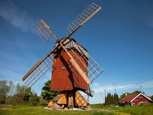 Väderkvarn på idylliska Färingsö.