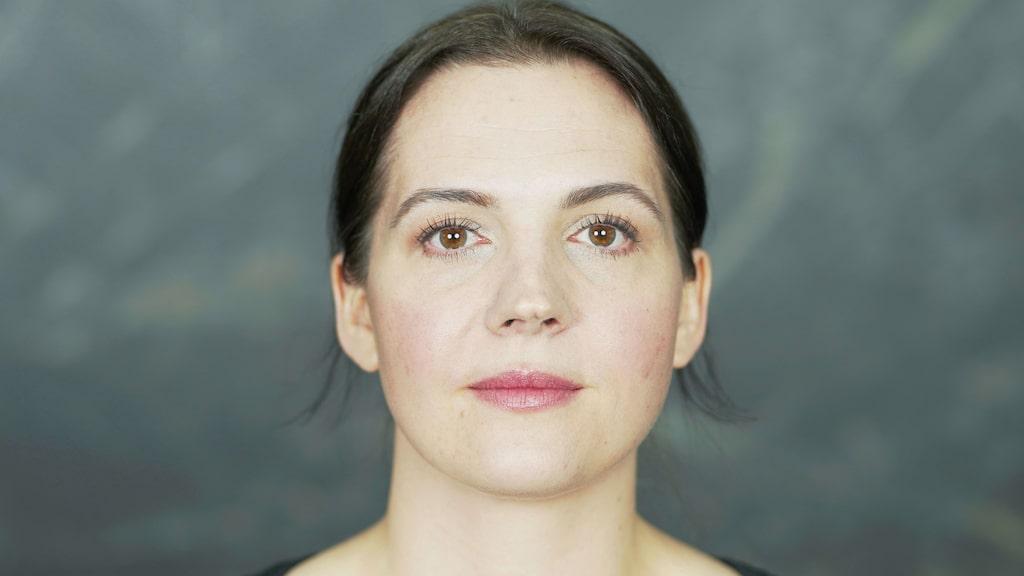 """""""Det finns superbra budgetprodukter"""", säger Dominika Newelska, makeupartsit och hudterapeut."""