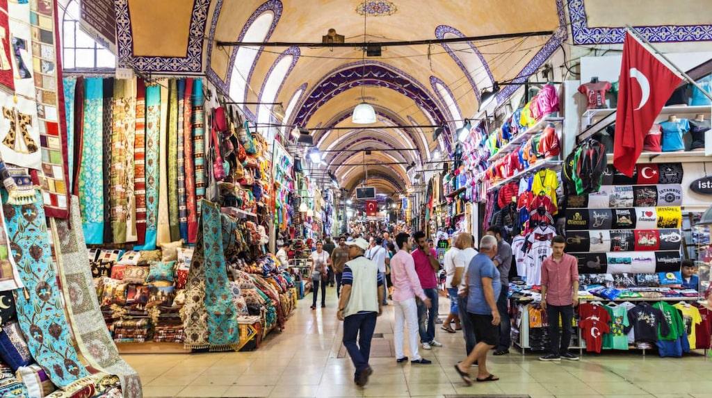 Handla på Grand Bazaar i Istanbul.