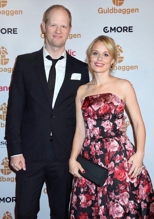 """Helena var tidigare gift med skåde- spelaren och sångaren Fredrik Lycke. De har dottern Ava tillsammans. """"Relationen till mina två exmän är mycket bra. Det är jag otroligt glad och stolt över."""""""