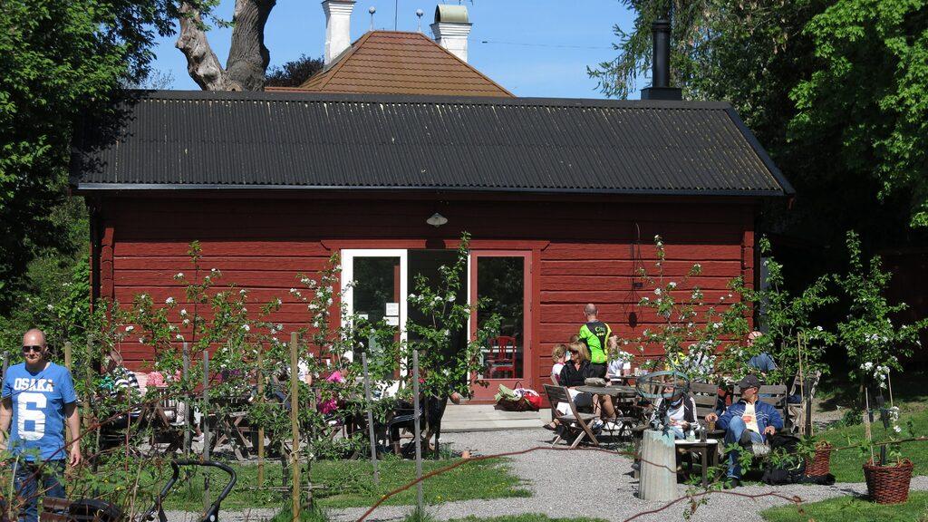 Äppelfabrikens fik på Färingsö.