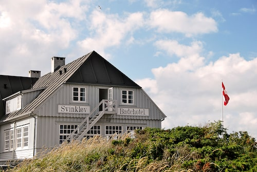 "Danska dramaserien ""Badhotellet"" spelades in på Svinkløv Badehotel på Nordjylland."