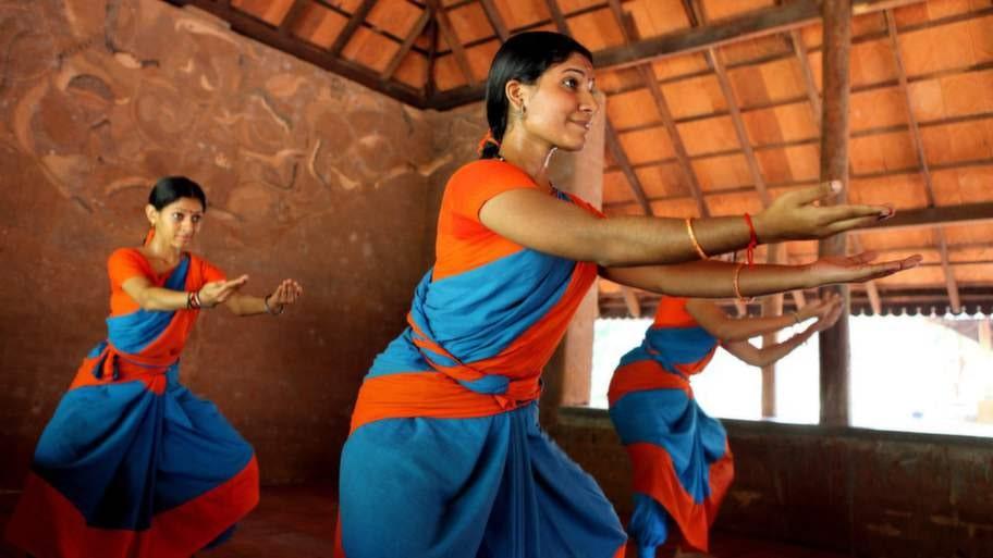 I Cheruthuruthy lär ungdomar sig traditionella danser.