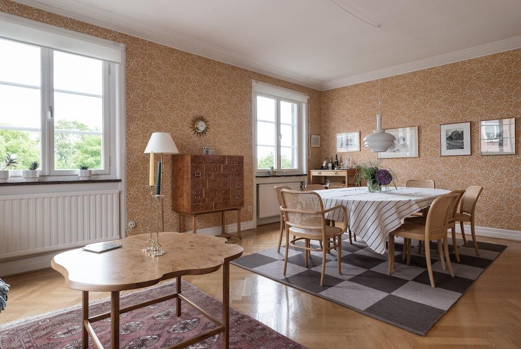 <p>Våningen har haft samma ägare sedan 1975 och Camilla och Simon ska renovera innan de flyttar in i vinter.<br></p>