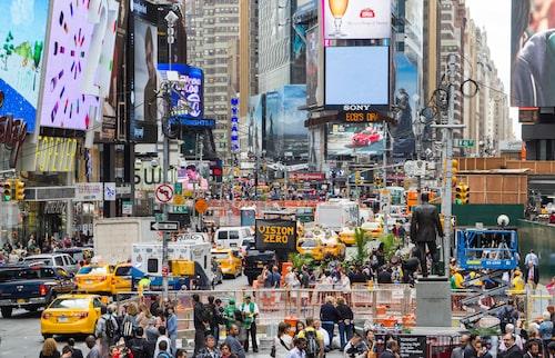Gigantiska billboards och mängder av människor - det är i princip det enda Times Square har att erbjuda.