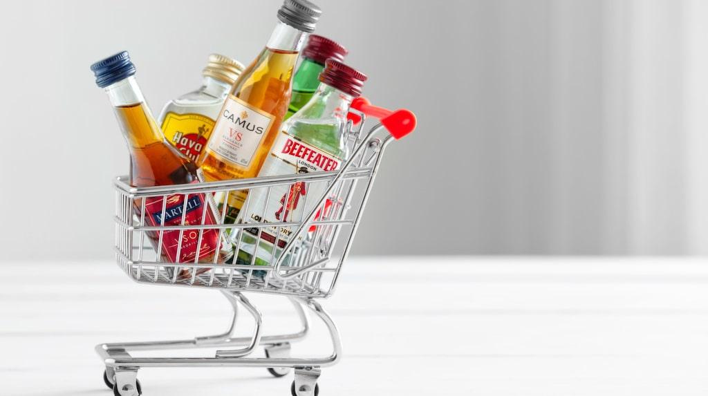 Tullen kan omhänderta alkoholen om de anser att det är mer än den tillåtna mängden.