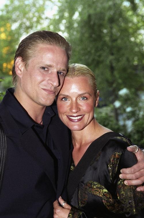 Jonas Malmsjö och Regina Lund 2000.
