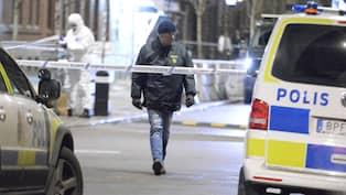 Tungt kriminella hyllar polisen efter dadet