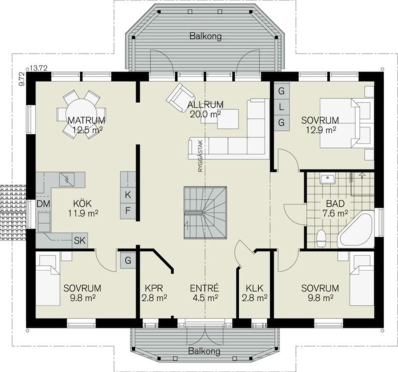 Fem sovrum och bra förvaring<br>Det här är en riktigt stor  sluttningsvilla med sex bra sovrum. För en stor familj med gäster kan  det bli lite trångt i kök och matrum. I det övre allrummet tar trappan  mycket av ytan, men rummet får rymd av ryggåstaket och kan öppnas mot  balkongen. Huset har en bra entré med bra förvaring och fin sikt genom  huset.