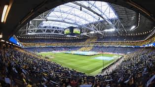Farre tittar pa fotboll i italiensk tv