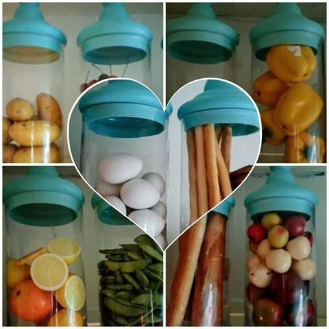 Fina burkar för diverse matvaror hemma hos Eva.