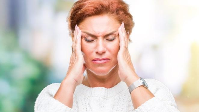 Det är inte helt klarlagt varför man får migrän, men den går ofta i arv. Migrän är också vanligare hos kvinnor, särskilt runt ägglossning och mens.