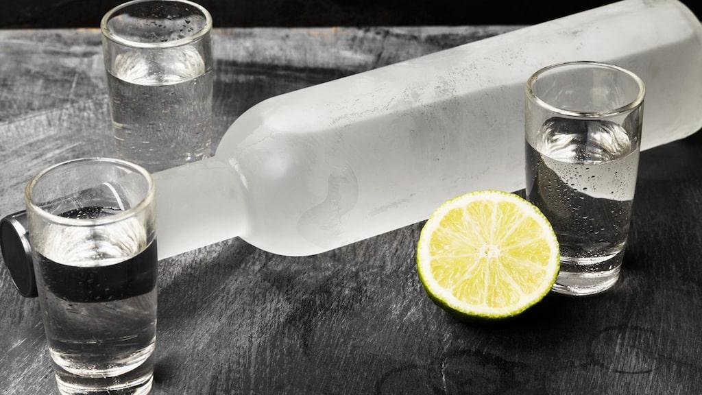 Vodka är framför allt känd som en vanligtvis färglös och ren spritdryck. Men den är något mer komplex än så.