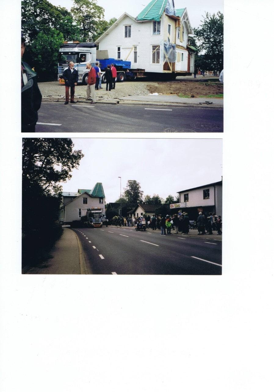 Äntligen på väg. Över 2000 entusiastiska människor hade samlats längs med vägen, som fick stängas av, för att bevittna den märkliga husflytten.