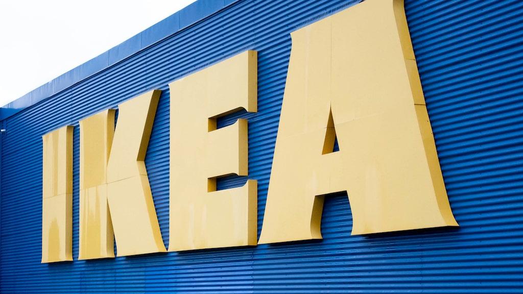 Möbeljätten Ikea har tagit fram en gardin som med en innovativ teknik renar luften.