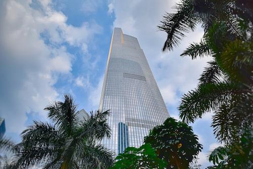 Aluminium, glas, stål och terrakotta – fyra viktiga byggstenar i Guangzhou Finance Centre.