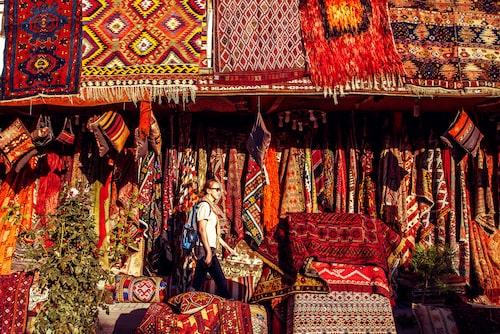 Någon gång i livet ska man ha varit på Grand Bazaar i Istanbul och prutat på en matta.