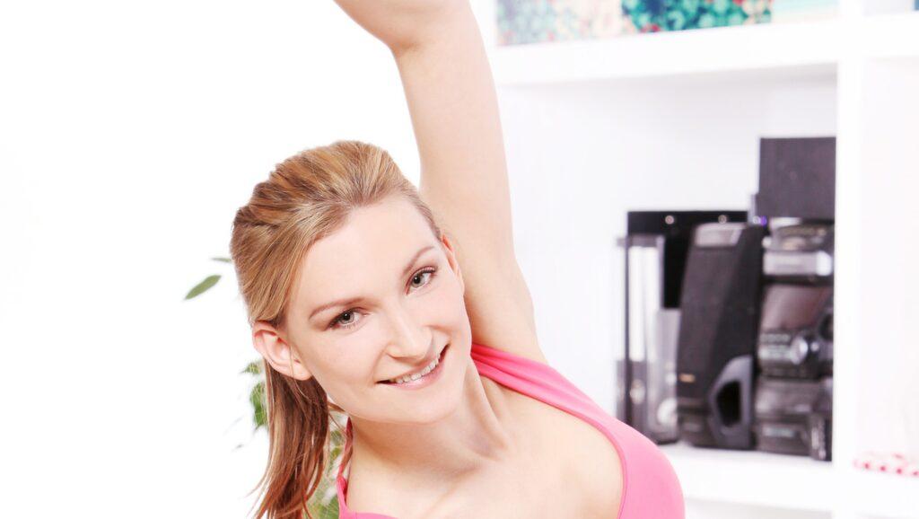 Med enkla övningar och promenader kan du tappa 1 kilo i veckan.