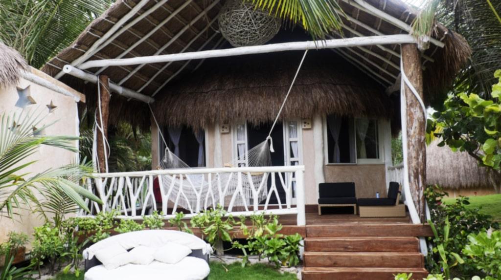 Cabanas. I Tulum finns allt från större (fast inte jättestora) hotell, till mindre Cabanas. De flesta ligger direkt vid stranden.