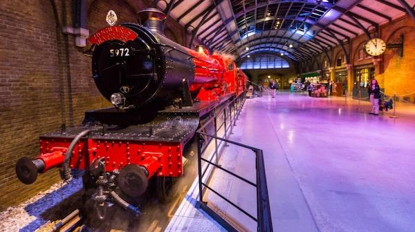 Warner Brothers filmstudio i Leavesden visar bland annat The Hogwarts Express plattform.