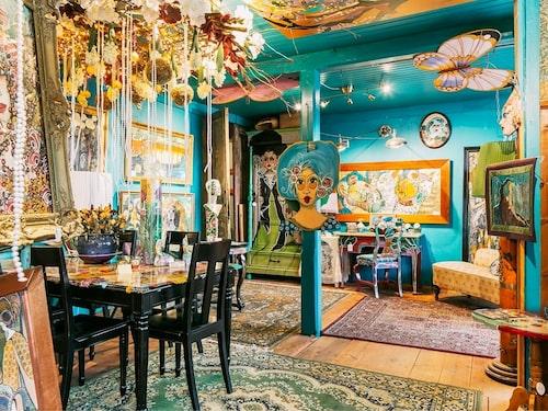 Huset är en riktig färgexplosion med massor av spännande detaljer överallt.