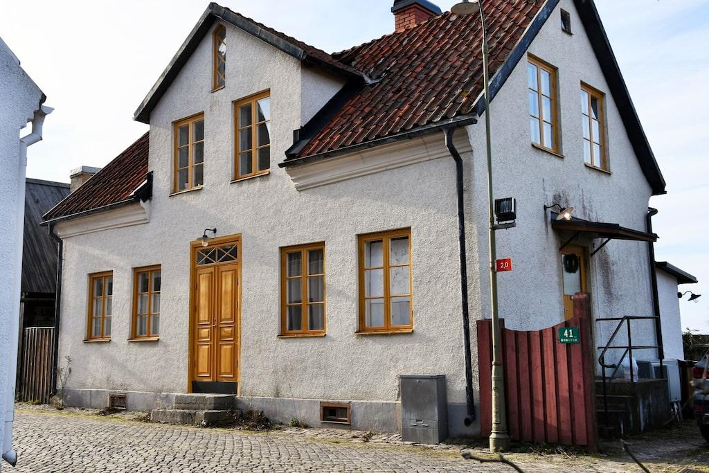Huset från 1850 totalrenoverades 2010.