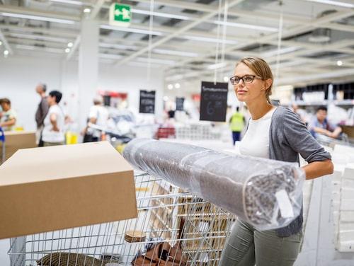Tänk på att du inte måste köpa hela ditt hem på Ikea. Det finns andra butiker – och begagnatmarknaden är full av unika prylar.