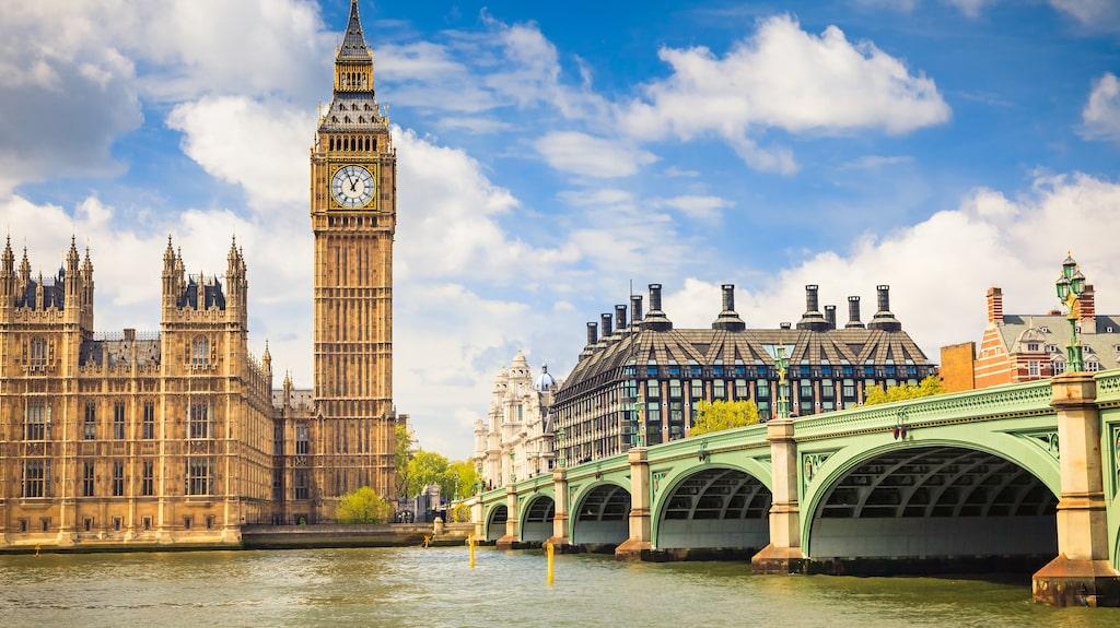 Välj om du vill påbörja resan i London eller Delhi.