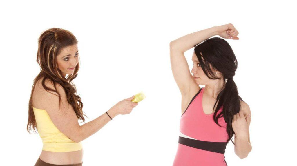 Äter du för mycket proteiner kan ditt svett börja lukta fisk!