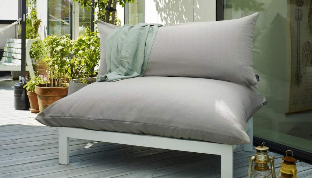 Float Lounge är en stilren loungemöbel formgiven av Mette Skjærbæk för Skagerak, 13 995 kronor, Länna möbler.
