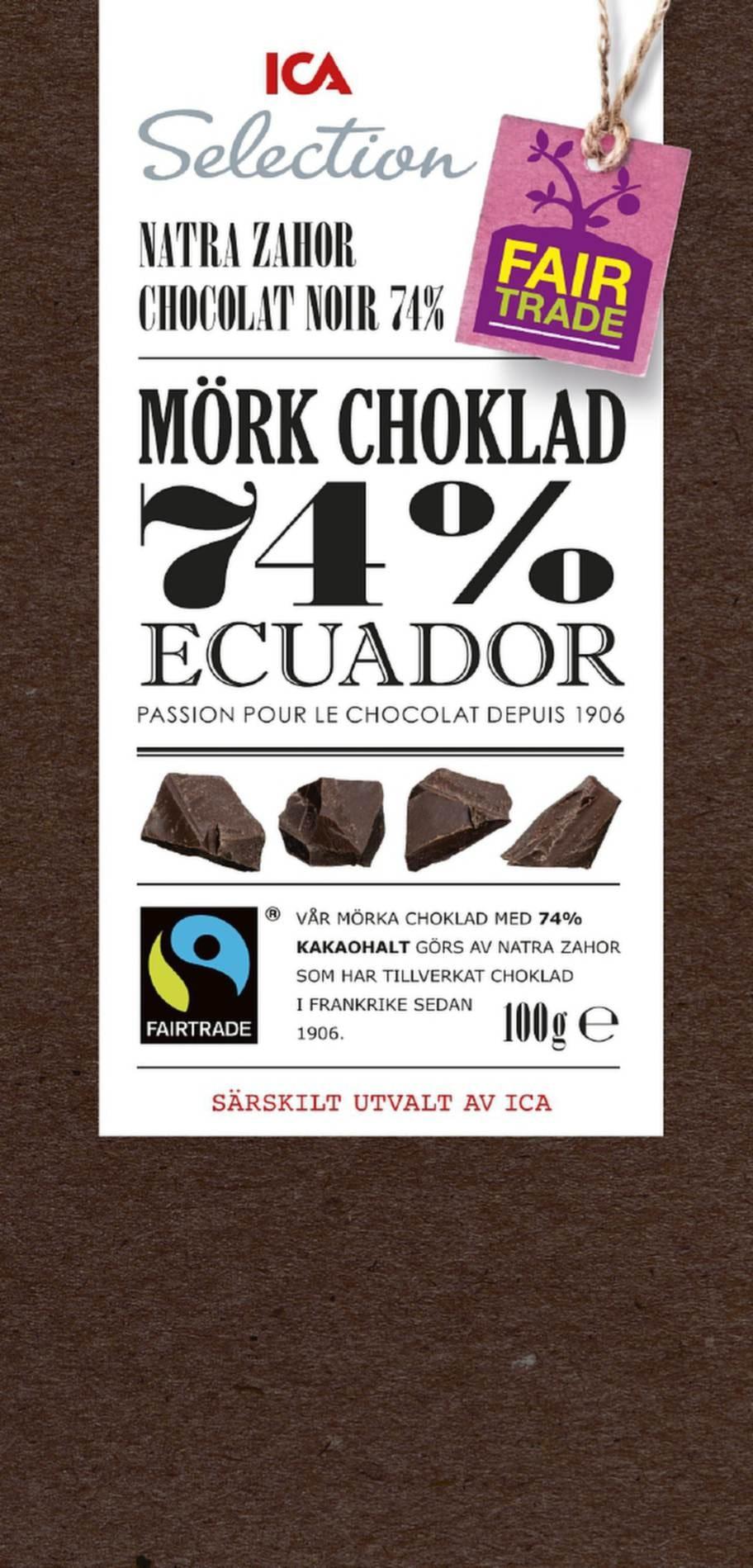 """ICA Selection mörk choklad 74 % Ecuador<br><exp:icon type=""""wasp""""></exp:icon><exp:icon type=""""wasp""""></exp:icon><exp:icon type=""""wasp""""></exp:icon><br>Pris: Cirka 20 kronor, 100 g.<br>En ganska söt och blommig choklad som känns lite bitig i konsistensen. Hög kakaohalt men smakar ändå inte så mycket choklad som andra sorter. Har något av en otrevlig bismak och innehåller en del tillsatser.<br>Fredrik Paulún säger: En bra mörk choklad med högt antioxidantinnehåll tack vare 74 procent kakao och dessutom fairtrade vilket gör att du kan äta den med bättre samvete. I stort sett all choklad innehåller sötningsmedel i någon form. Visst är vitt socker dåligt, men i den lilla mängd som ingår och i choklad blir ändå GI-värdet lågt.<br>Betyg: 3.<br><br>Ingredienser: Kakaomassa, socker, kakaosmör, emulgeringsmedel (sojalecitin), arom. Kakaohalt minst 74 procent.<br>Näringsvärde per 100 g:<br>Energi: 580 kcal<br>Protein: 10 g<br>Kolhydrat: 30 g<br>varav sockerarter: 26 g<br>Fett: 44 g<br>varav mättat fett: 27 g<br>Fiber: 11 g<br>Natrium: &lt;0,5 g"""