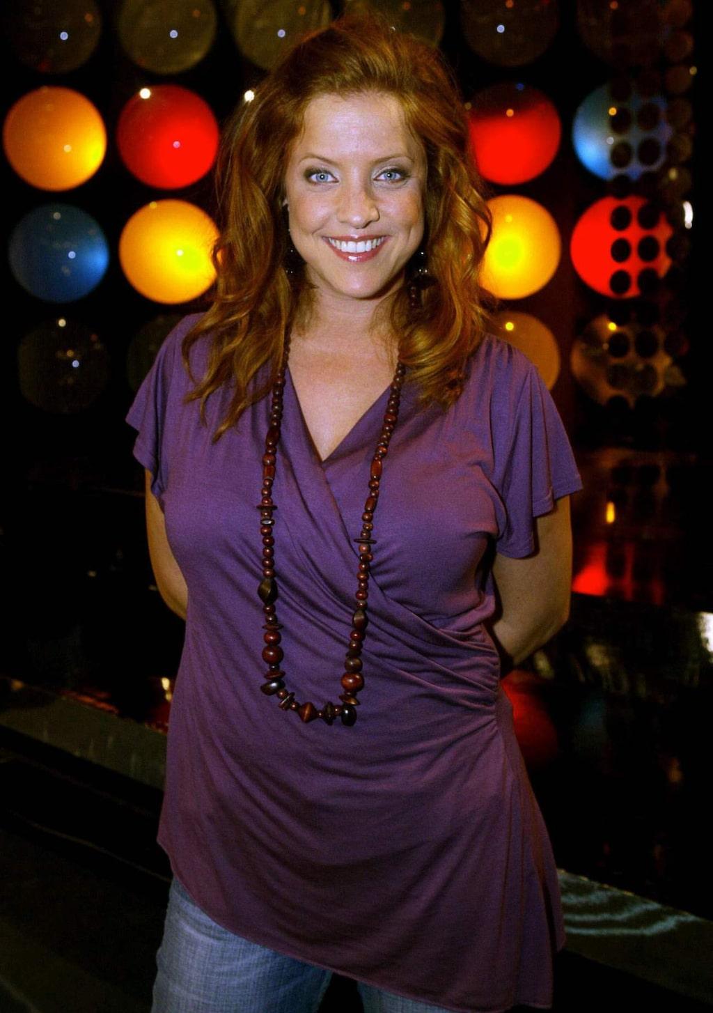 """<p>Shrirley ledde SVT:s """"Folktoppen"""" åren 2005 och 2006.</p>"""