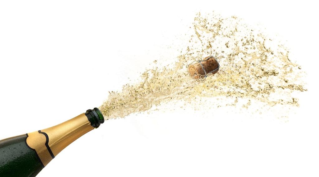 """Inredare Sarah Valle säger att hennes viktigaste råd är enkelt: """"Låt aldrig dina gästers glas vara tomma""""!"""