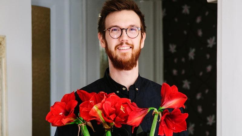 Johan Munter på Floristkompaniet tipsar om hur du tar hand om amaryllisen.