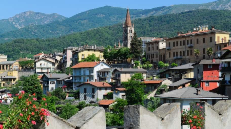 publicerad text:  publicerad bildtext:byn dronero ligger i vackra piemonte.  byn dronero ligger i vackra piemonte.