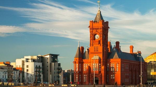 Före detta hamnkvarteret Cardiff bay bjuder inte bara på en magnifik vy, utan även ett stort nöjes- och shoppingutbud.