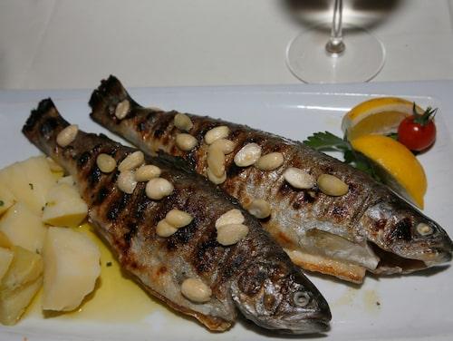 Grillad fisk från floden Cetina utanför Omis.