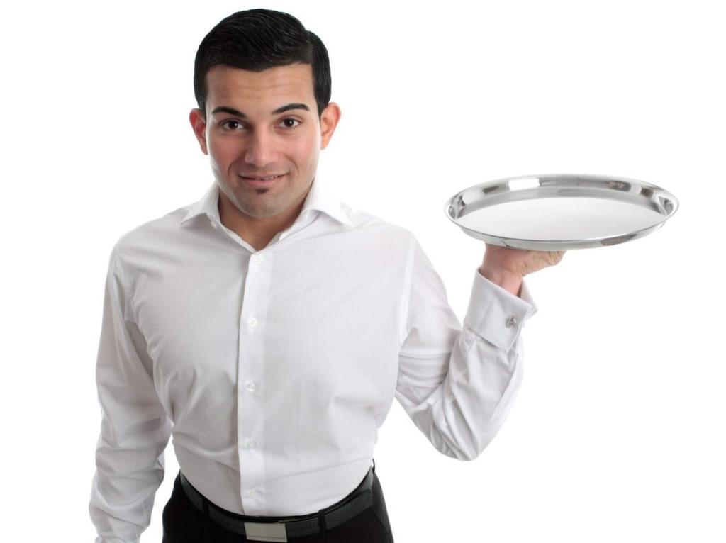 """<strong>13. Butler</strong><br>I England är lönen för en nyutexaminerad butler en halv miljon kronor om året. I Mellanöstern kan lönen snabbt mångdubblas, där har en butler ett verkligt statusvärde.<br><a href=""""http://www.butler-valetschool.co.uk/""""><strong>http://www.butler-valetschool.co.uk/</strong></a><br><a href=""""http://www.butlersguild.com/""""><strong>http://www.butlersguild.com/</strong></a><br><a href=""""http://www.butlerschool.com/""""><strong>http://www.butlerschool.com/</strong></a>"""