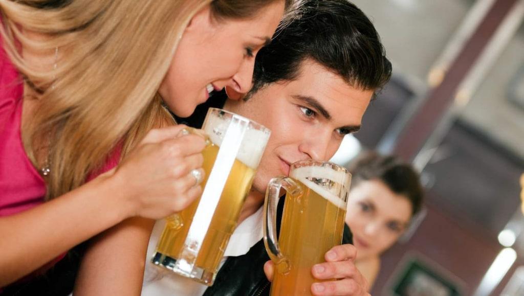 <p>Många vet att det inte lönar sig att träna dagen efter att man har druckit, men detta gäller även innan träningen.</p>