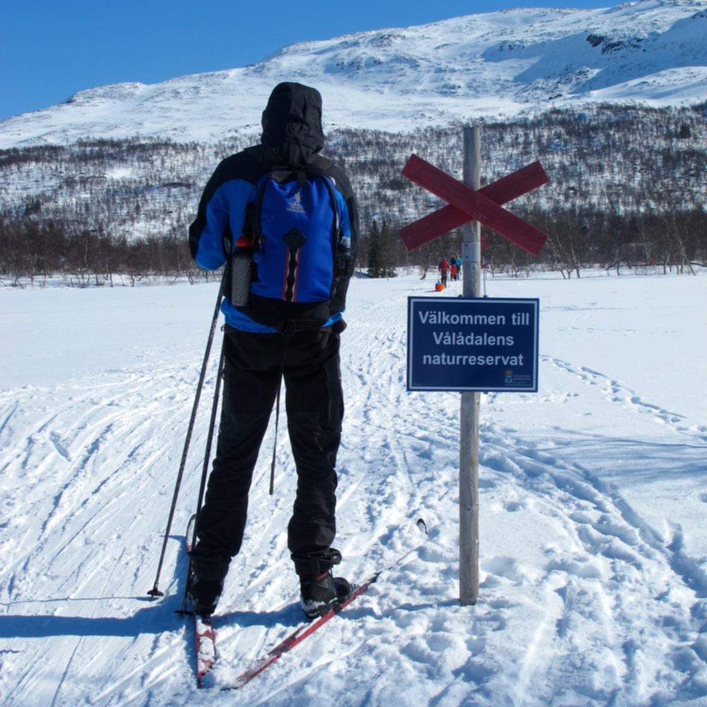 I Storulvånområdet finns 50 mil markerade skidleder, så det är onekligen inget problem att hitta nya turer varje dag.