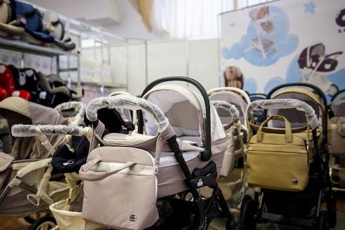 Prylar för bebisar används under väldigt kort tid, så ofta hinner inte sakerna slitas. Därför är det väldigt bra för både plånbok och miljö att köpa till exempel barnvagnen begagnad.