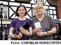 Cornelia Nordstöm och Lottie Molund på plats i Stratford.