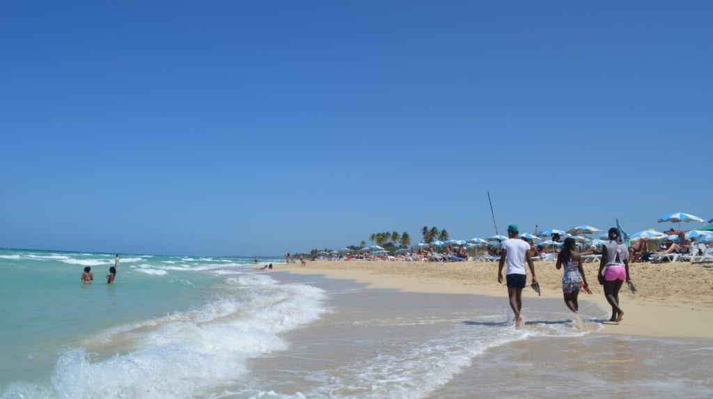 Bara 15 minuter bort med taxi finns Havannas drömlika stränder i Playa del Este.