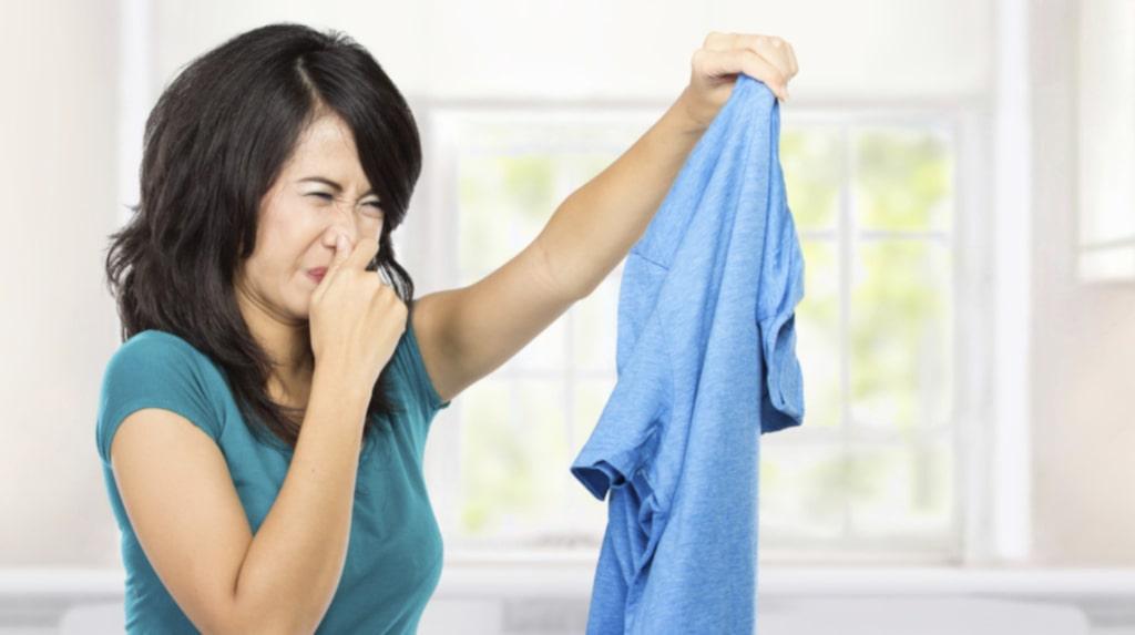 Visst kommer du ihåg att tvätta dina nya kläder innan du använder dem? Det finns många anledningar till det.