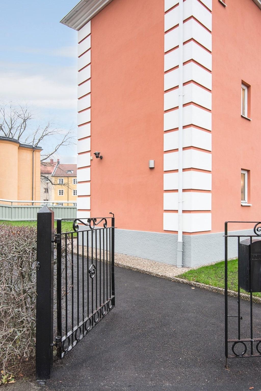 Utgångspris för det häftiga huset, med en viktig historia i Linköping: 3 395 000 kronor.