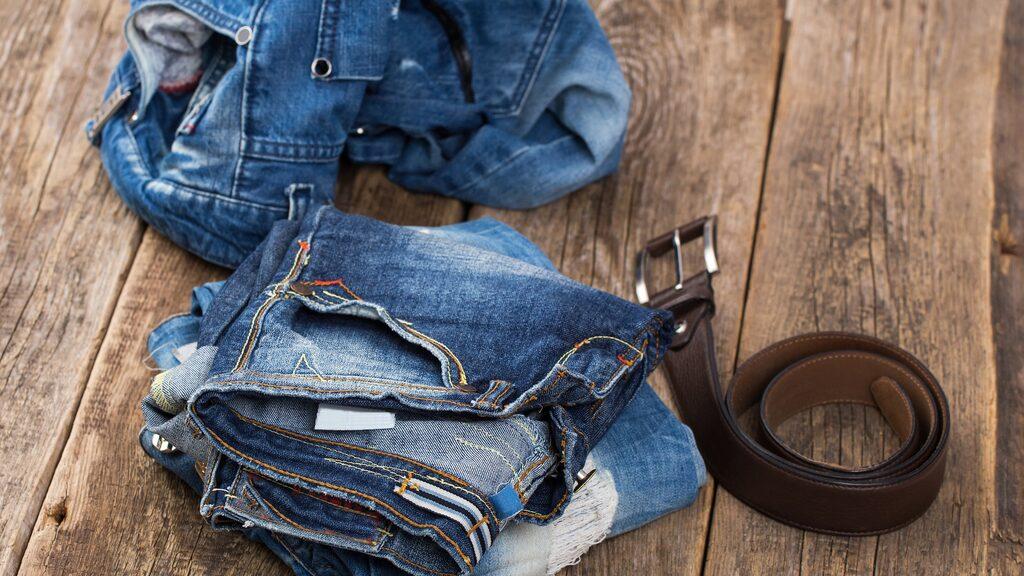 Som att alltid vända jeansen in och ut så färgen inte bleknar så mycket varje gång.