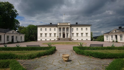 Stjernsunds slott var en gång Karl XIV Johans sommarresidens.